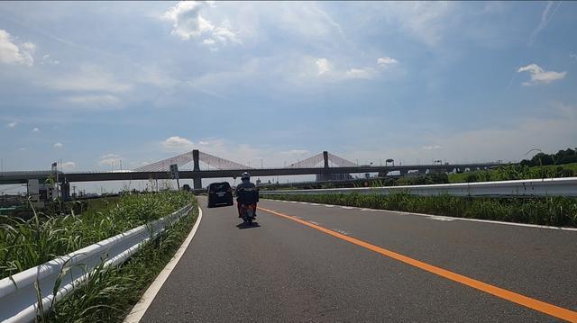 画像: 天気も良いし、ちょいちょい渋滞する以外は快調そのもの。