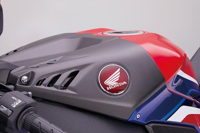 画像1: ホンダ「RC213V-S」と同製法で作られた「CBR1000RR-R FIREBLADE/SP」用スペシャルカーボンパーツを一挙紹介!