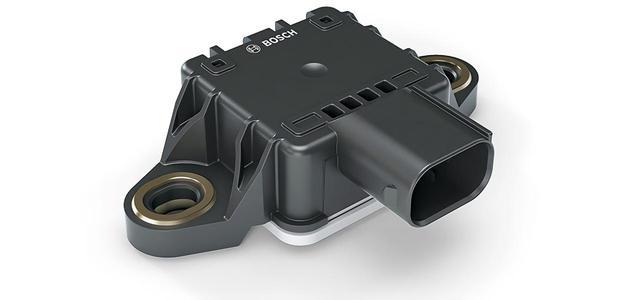 画像: 6軸IMUの採用で正確な車両情報を把握、各種電子制御のコントロールを緻密にしている。