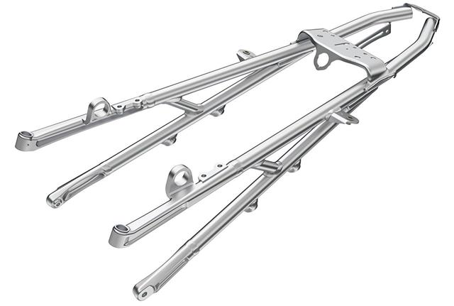画像: アルミ丸断面パイプを採用。断面の最小化、長さの最短化、薄肉化を最優先している。