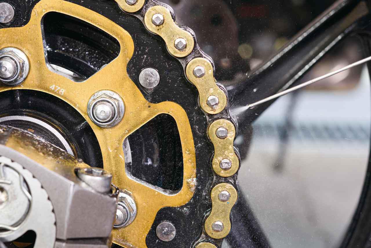 画像2: バイクのチェーンのメンテナンス方法と便利な用品を紹介! 必要な道具と手順が分かれば自分で簡単に清掃・注油はできる!