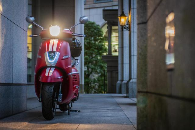 画像2: 他に類を見ないデザインのおしゃれフレンチスクーター