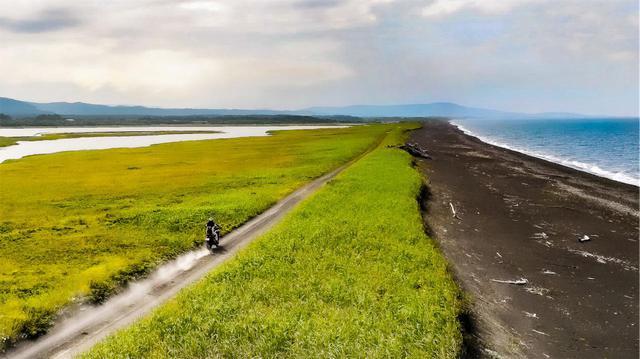 画像2: 右手に海、左手には湖。これぞ絶景!