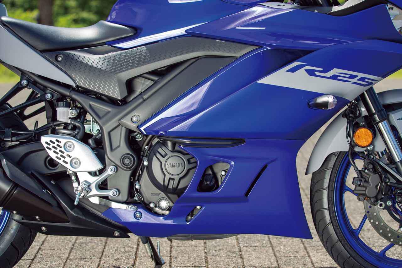 画像: エンジンは先代同様、180度クランクを採用したG402Eで低・中速域で扱いやすいエンジン特性となる。