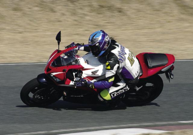 画像: <試乗ダイジェスト>HONDA CBR600RR 国内仕様(2009年) - webオートバイ