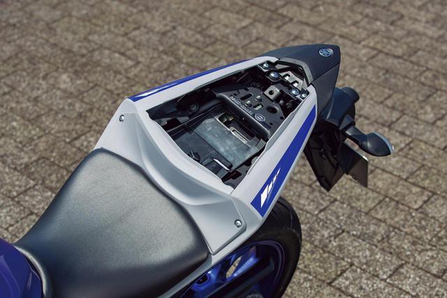 画像5: タンデム性能と荷物の積載性を徹底比較! カワサキNinja250・ヤマハYZF-R25・スズキGSX250R・ホンダCBR250RR
