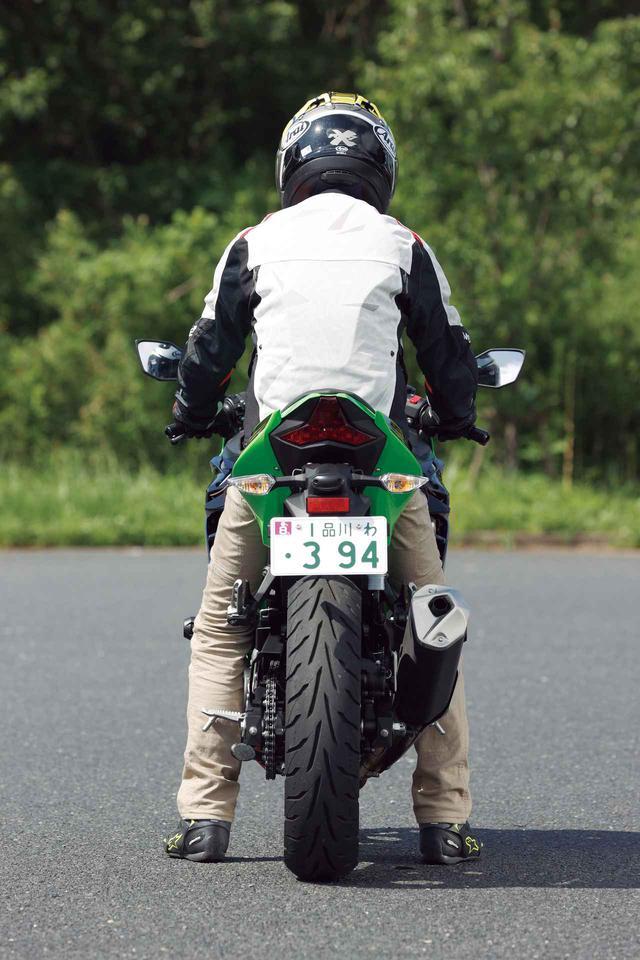画像3: 【投票してね】4台の足つき性とライポジを比較! あなたが好きな250ccスポーツバイクはどれ? カワサキNinja250・ヤマハYZF-R25・スズキGSX250R・ホンダCBR250RR