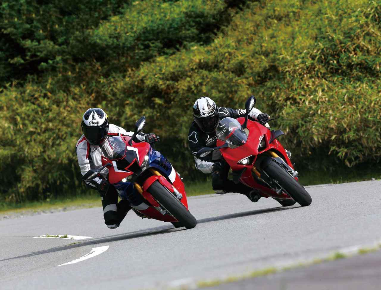 画像1: (左)Honda CBR1000RR-R FIREBLADE SP (右)DUCATI PANIGALE V4S