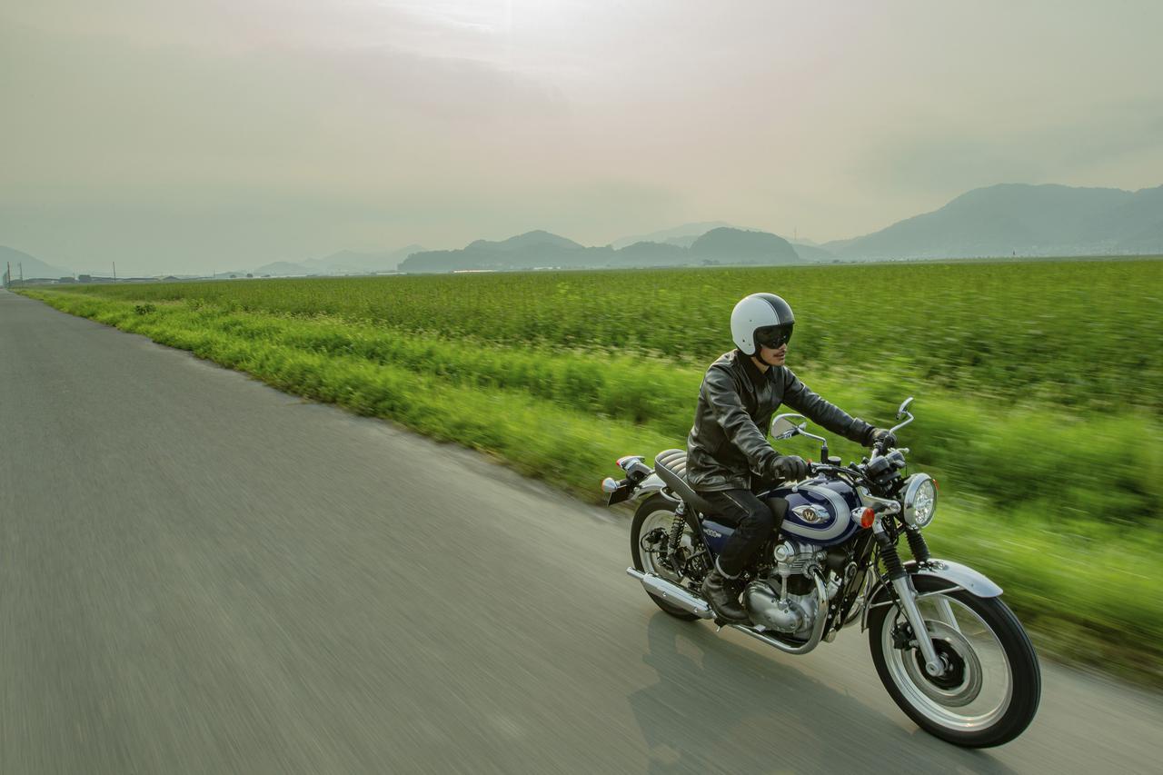 Images : 1番目の画像 - W800(2021年モデル)の写真をもっと見る! - webオートバイ