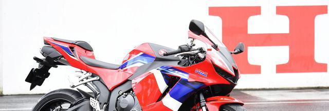 画像: <実車捕獲> New CBR600RR撮ったッ!~全日本ロードレース開幕戦に展示中です! - webオートバイ