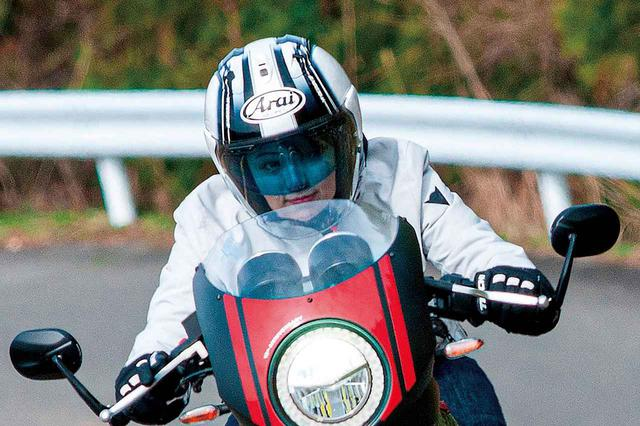 画像: 革新的なヘルメットシールド用インサート「ラレリー」を使ってみた! 調光&曇り止めで昼夜や季節を問わず視界を確保! - webオートバイ