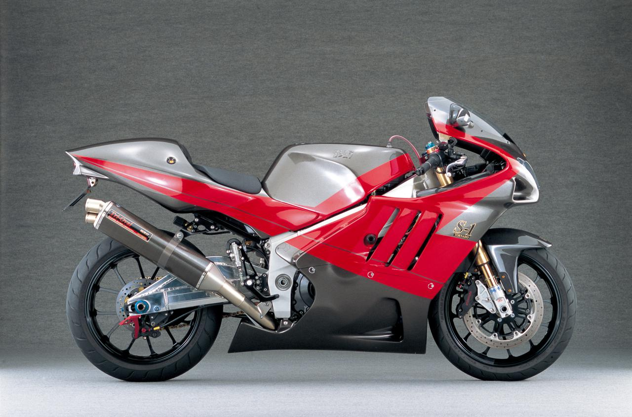Images : 1番目の画像 - 写真をまとめて見る - LAWRENCE - Motorcycle x Cars + α = Your Life.