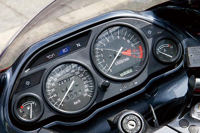 画像7: 〈絶版車インプレ〉カワサキ ZZR1100[D](1993年式)世界最速車でありながらフレンドリー【Heritage&Legends】