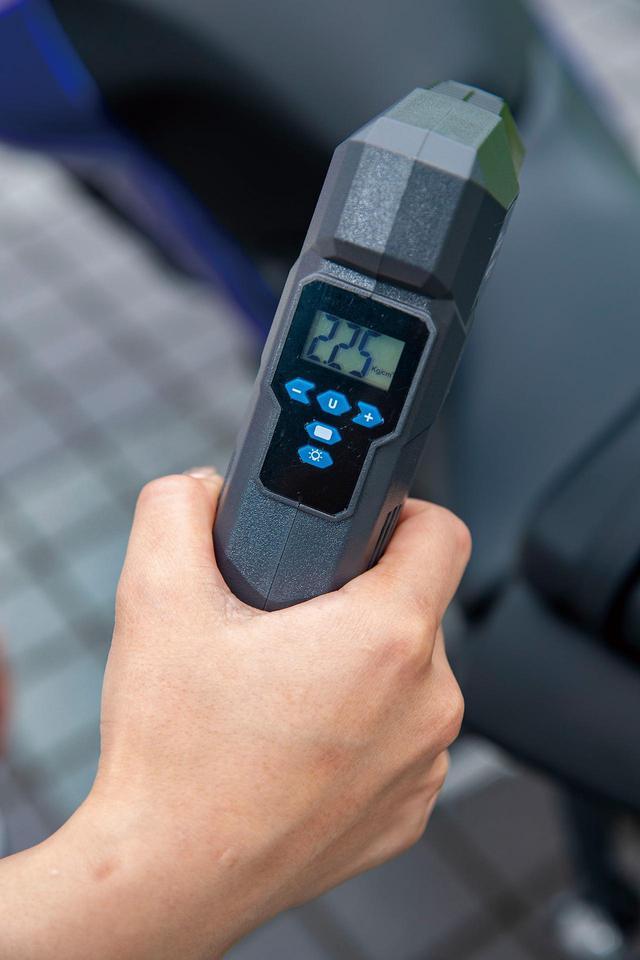 画像: 空気圧の単位はkPa、㎏/㎠、PSI、BARに切り替え可能。kPaの場合は5kPa、㎏/㎠なら0.05㎏/㎠単位で設定できる。