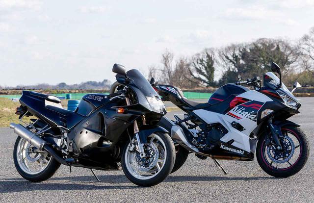 画像: 新旧250ccスポーツ対決! 昔の4気筒と今の2気筒どっちが速いの? カワサキ「ZXR250」VS「Ninja250」 - webオートバイ
