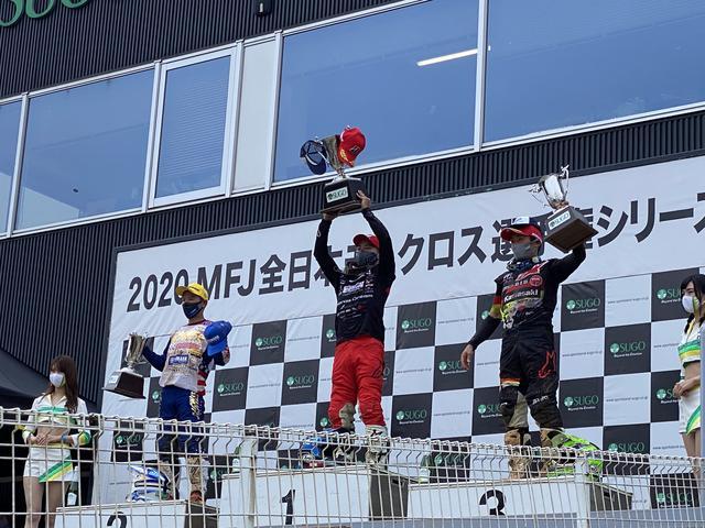 画像: IA1クラスの2レース目の表彰式の様子です。