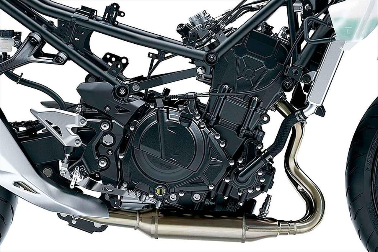 画像: 水冷ツインDOHC4バルブエンジンは20度の前傾角を持つダウンドラフト構造で、アシスト&スリッパークラッチを標準装備。