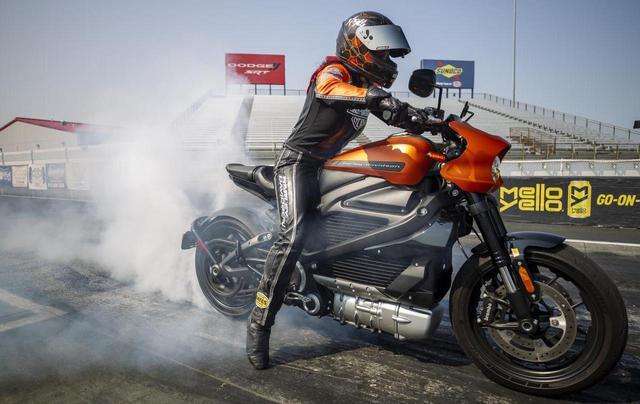 画像: ハーレーダビッドソン「ライブワイヤー」が市販電動バイクの最速記録を樹立! - webオートバイ