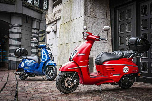 """画像: 人気の「原付二種」か、快適な「軽二輪」か?「プジョー・ジャンゴ スポーツ」""""125cc""""と""""150cc""""どっちを選ぶべき?【特別限定車】 - webオートバイ"""