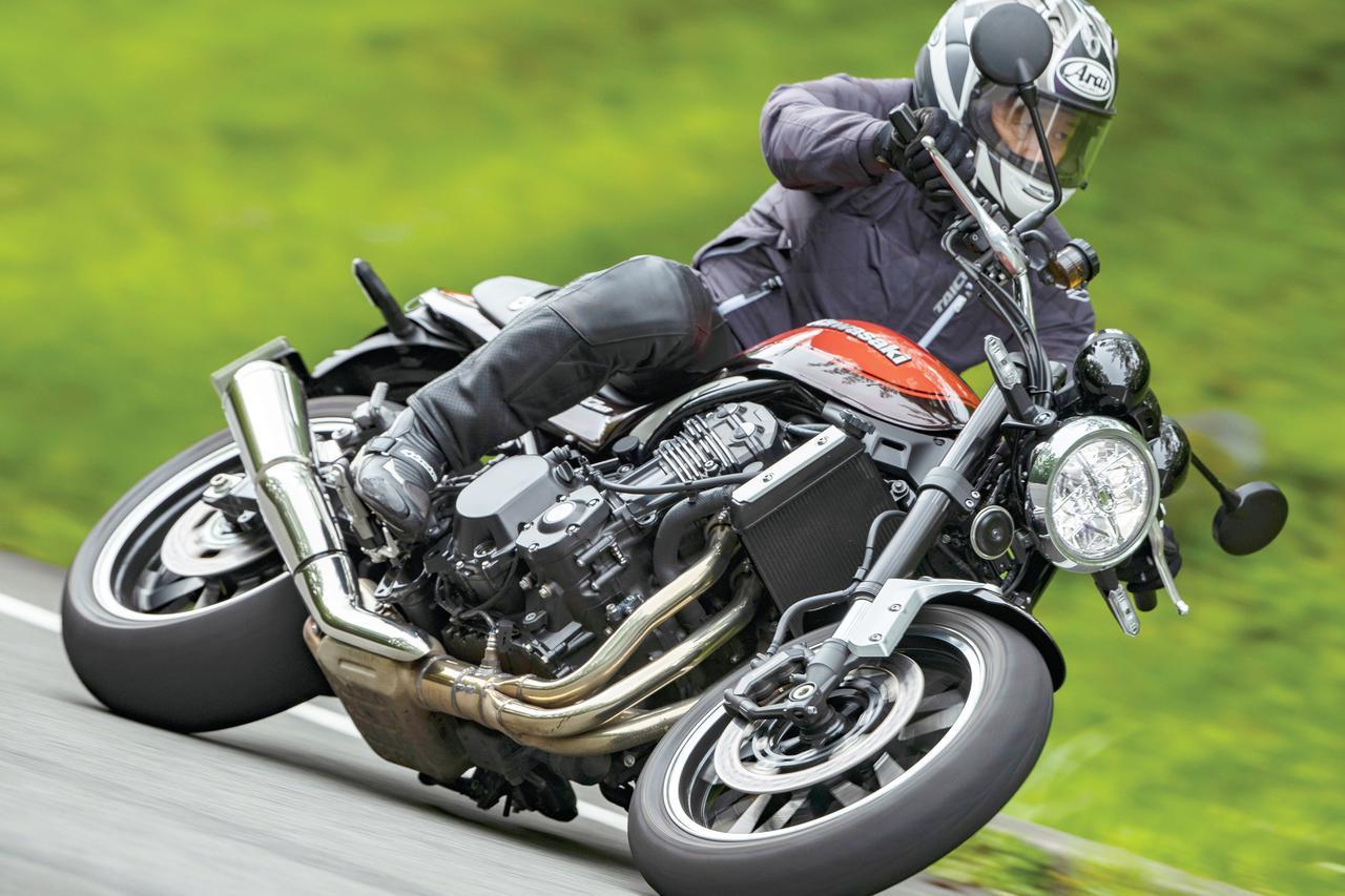 画像1: カワサキ「Z900RS」試乗インプレッション/元WGPワークスライダー八代俊二が解説(2019年) - webオートバイ