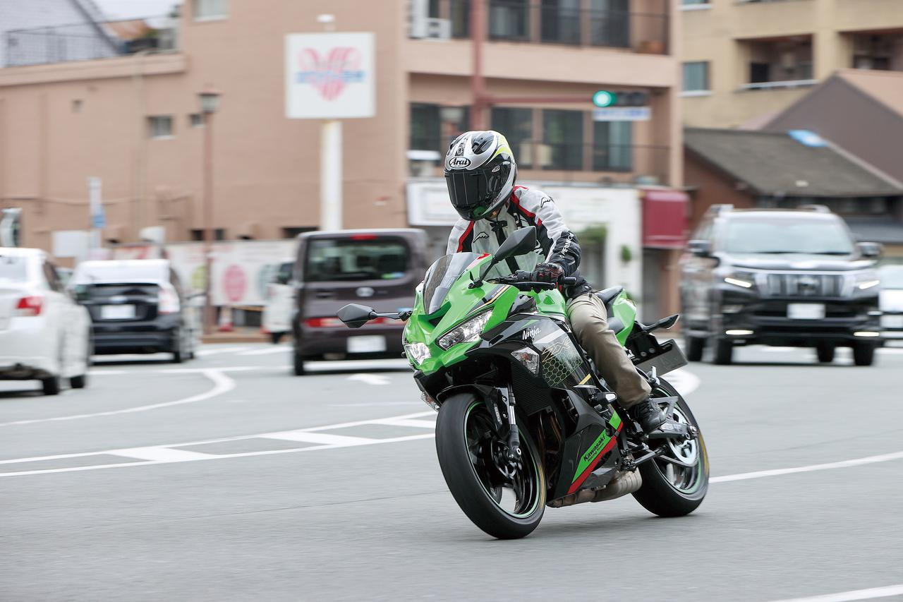 Images : 5番目の画像 - Kawasaki Ninja ZX-25R SE/ライダー:太田安治 - LAWRENCE - Motorcycle x Cars + α = Your Life.