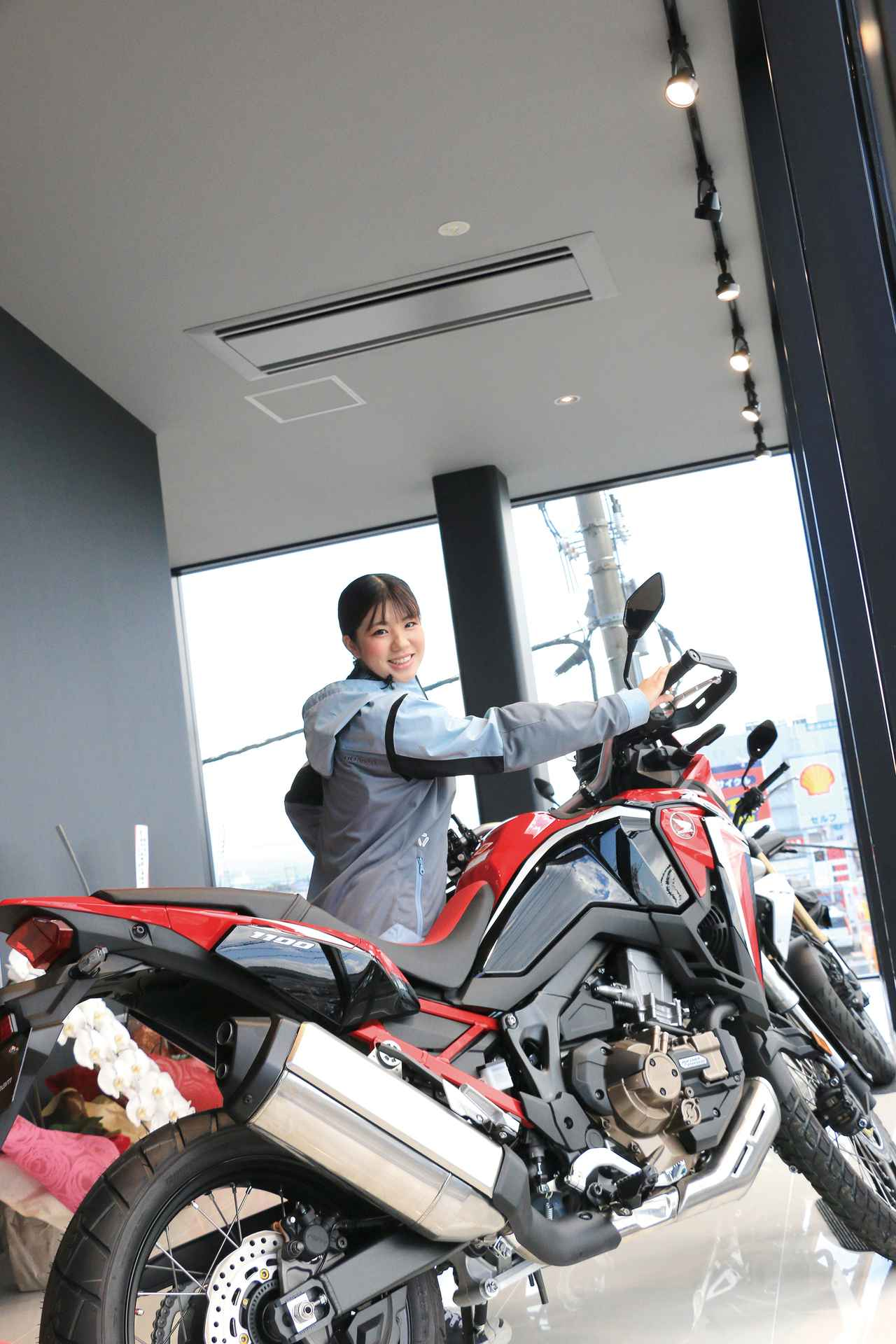 Images : 1番目の画像 - 写真をもっと見る! - LAWRENCE - Motorcycle x Cars + α = Your Life.