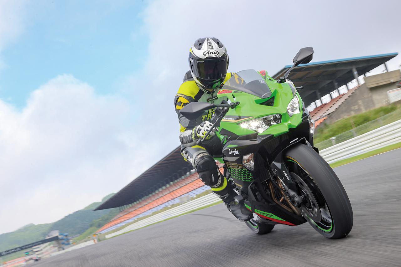 Images : 5番目の画像 - Kawasaki Ninja ZX-25R SE/ライダー:太田安治 - webオートバイ
