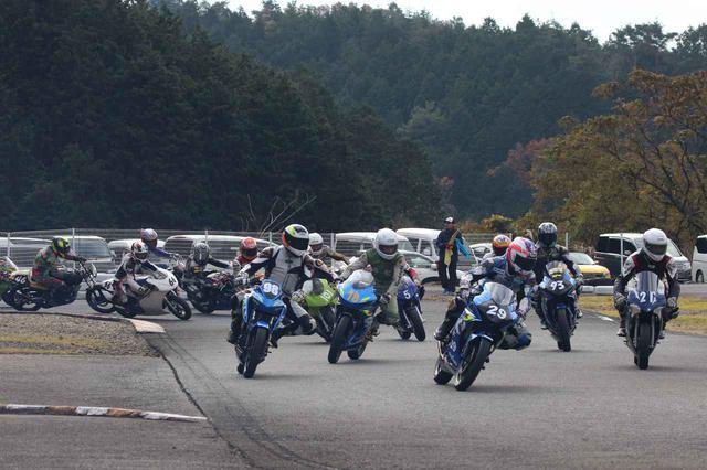 画像2: 世界耐久チャンピオンと走れるミニバイクレースが今年も年末に開催されます!