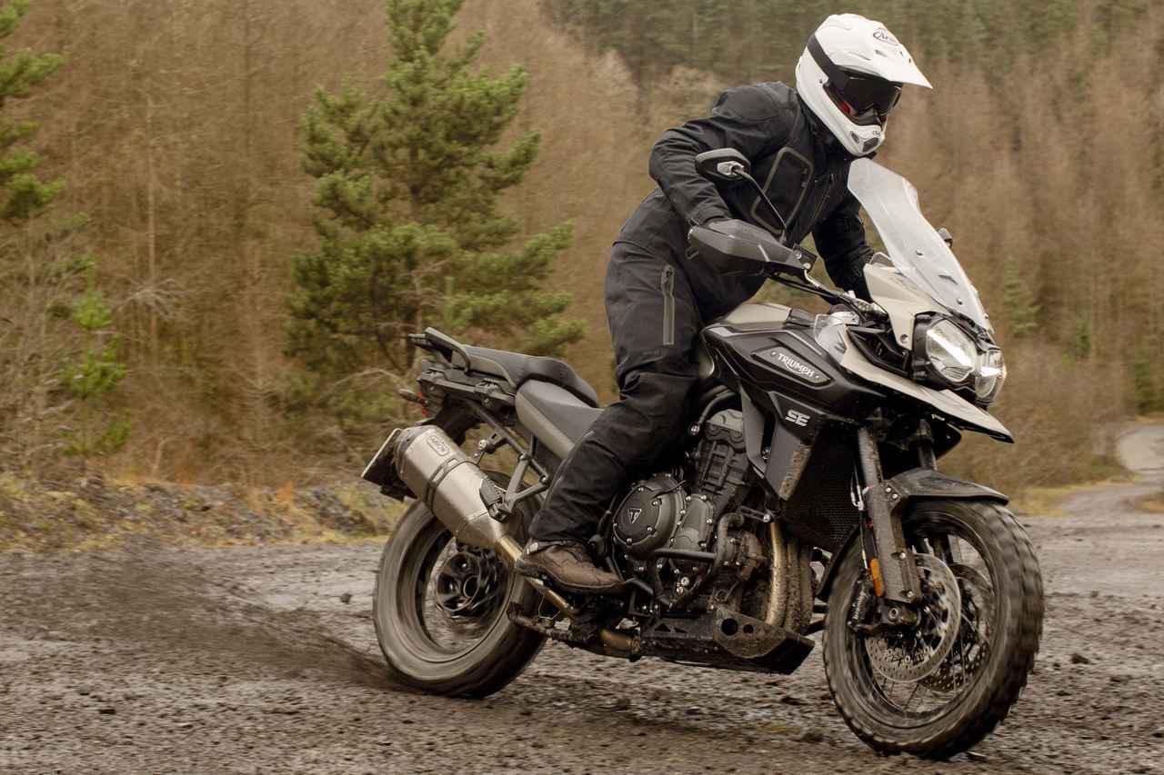画像: トライアンフ「タイガー 1200 デザートエディション」車両情報 - webオートバイ