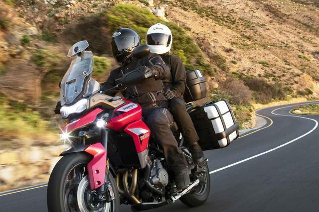 画像: 【新車】トライアンフの新型ミドルアドベンチャー「タイガー900」シリーズの価格と発売時期が発表! - webオートバイ