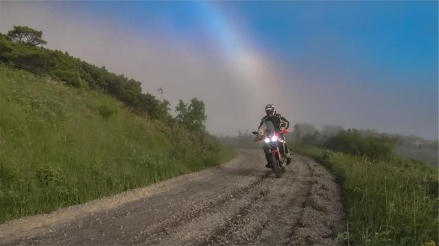 画像1: なんという幸運!虹のアーチをくぐれるなんて!