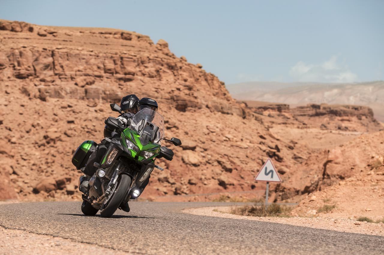 Images : 6番目の画像 - 写真をもっと見る! カワサキ「ヴェルシス1000SE」(2021年モデル・欧州仕様車) - LAWRENCE - Motorcycle x Cars + α = Your Life.