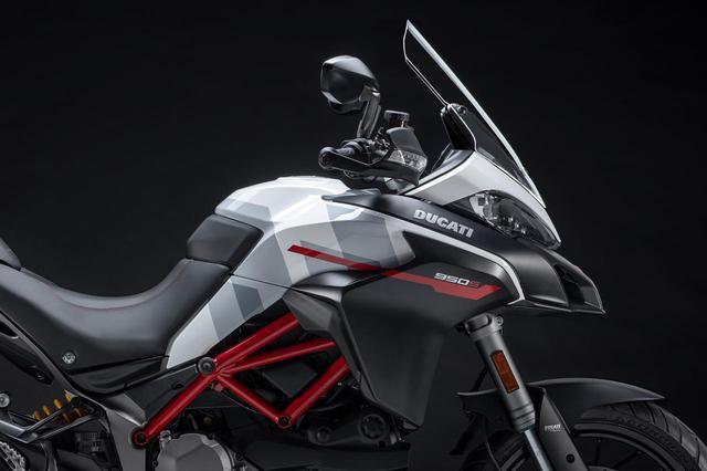 """画像: ドゥカティ「ムルティストラーダ950 S」にMotoGPマシンからヒントを得たグラフィック""""GPホワイト""""カラーが登場! - webオートバイ"""