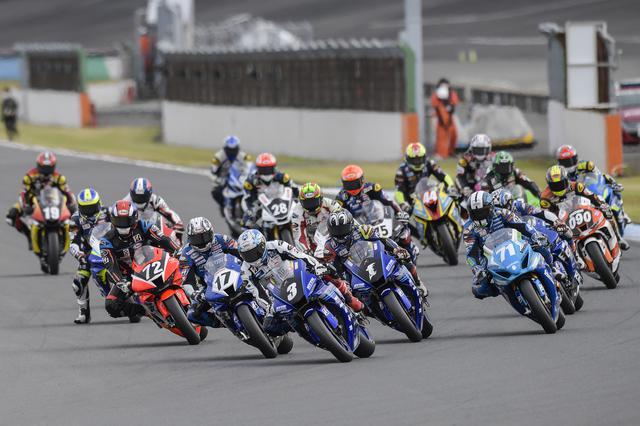 画像: スタートシーン 野左根はレース1とレース1やりなおし、そしてレース2とすべてホールショット!