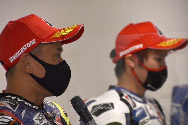 画像: 後輩の成長を喜ぶ…と同時にレーシングライダーとして悔しい中須賀