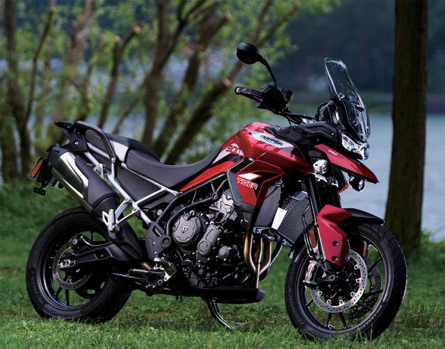 画像: TRIUMPH TIGER900GT Pro 総排気量:888cc エンジン型式:水冷4ストローク並列3気筒DOHC4バルブ メーカー希望小売価格:182万円(消費税10%込)
