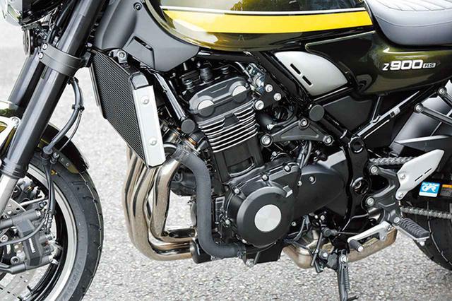 画像: Z1000と同系のエンジンを、排気量ダウンして900㏄クラスとした。水冷エンジンながらシリンダーにはフィンを設けている。