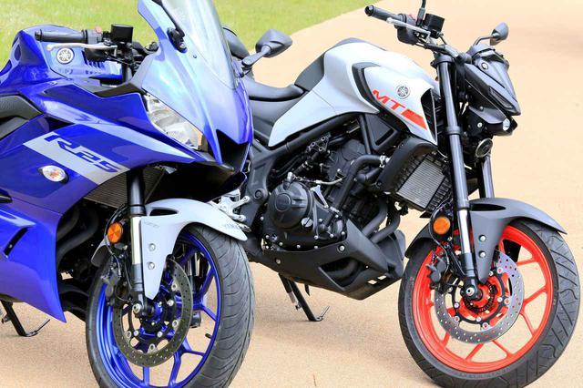 画像: ヤマハ「YZF-R25」と「MT-25」はどこが同じでどこが別物? 各部装備を比較 - webオートバイ