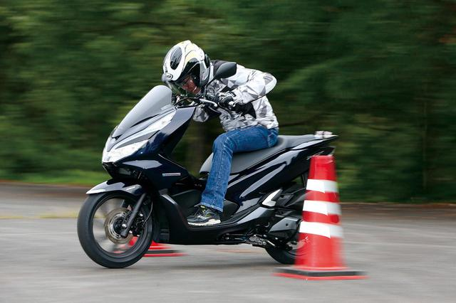 画像: 「PCX HYBRID」VS「PCX」加速性能対決 - webオートバイ