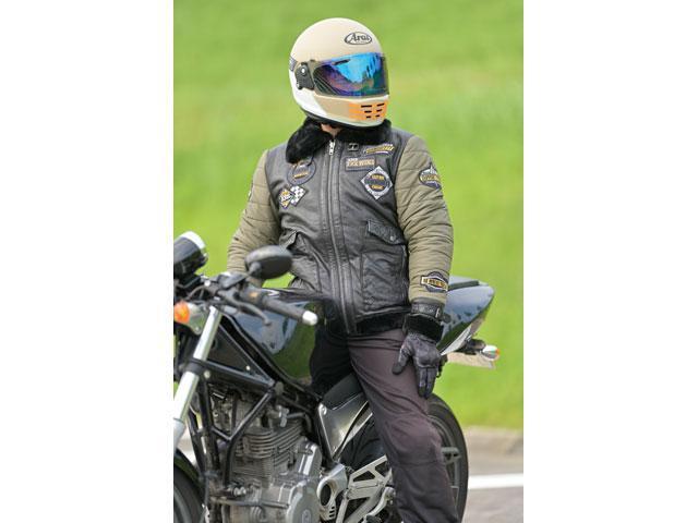 画像: メンズレザージャケット 20WJ-5 価格…3万6000円(税抜) サイズ:M・L・XL・2XL カラー:ブラック/ブラック・ブラック/カーキ 素材:ポリエステル・羊革