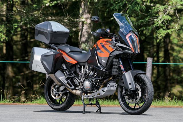 画像: KTM 1290 SUPER ADVENTURE S 総排気量:1301cc エンジン形式:水冷4ストDOHC4バルブV型2気筒 メーカー希望小売価格:203万6100円