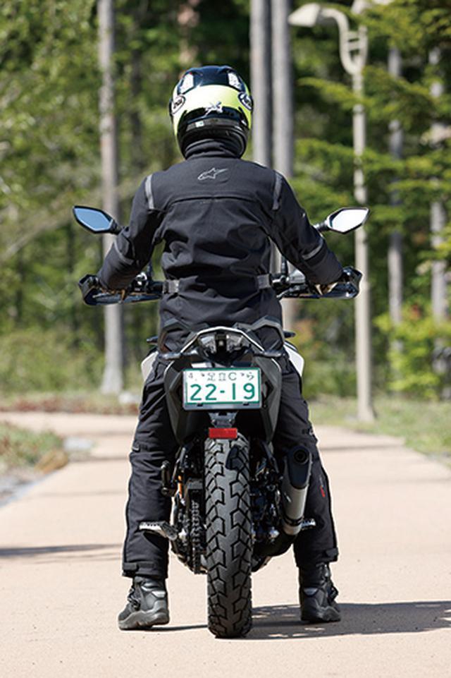画像: KTM「390 アドベンチャー」カラーバリエーションと足つき&タンデムチェック - webオートバイ