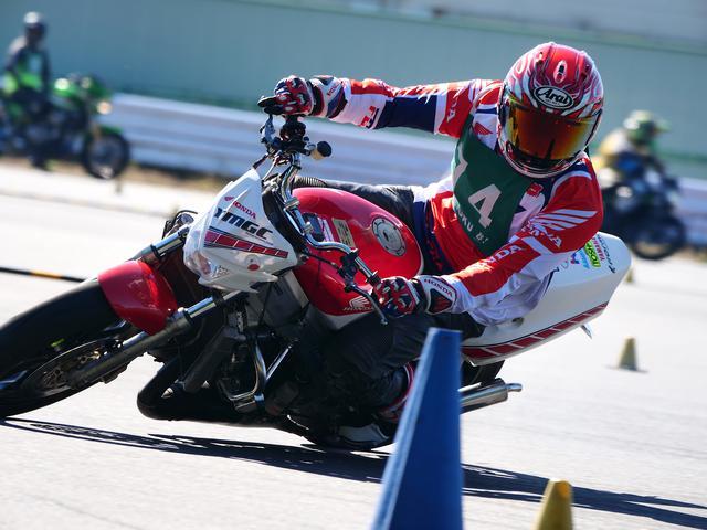 画像: ●C1級3位・山田史雄選手&NSR250R 1分46秒007(ペナルティ1秒加算)