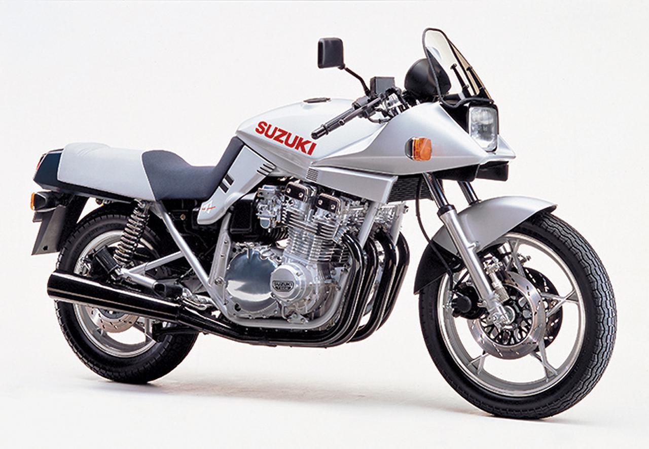 画像: 当時アメリカで行われていたAMAスーパーバイクレース向けに造られた限定モデル。レギュレーションに合わせて排気量を1015ccにダウン。