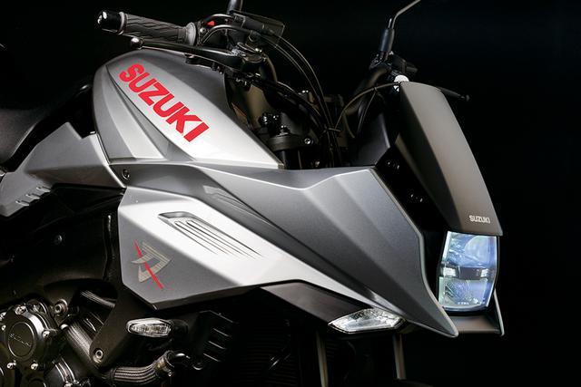 画像: オリジナル・カタナのシャープなイメージを元に、角形のLEDヘッドライトなどを生かして現代的にリファイン されたフロントマスク。