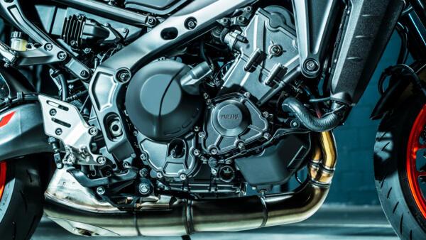 画像3: 【2021速報】ヤマハが新型「MT-09」を発表! 排気量アップ、軽量化、6軸IMUの採用、スタイリングも一新したフルモデルチェンジ!