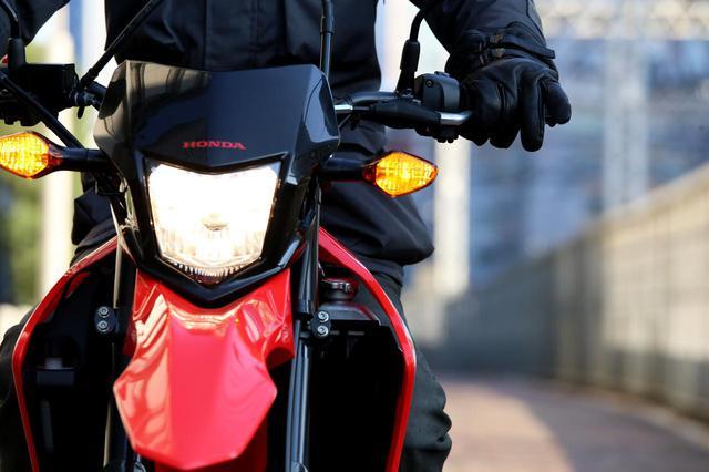 画像: 【バイクの自賠責保険と任意保険の違い】自賠責だけでは不十分?見落としやすい、示談交渉代行・ロードサービスというメリット - webオートバイ