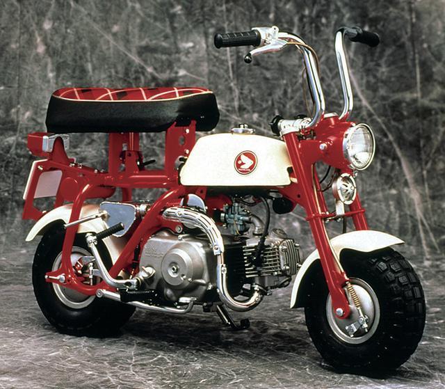画像: 国内向けに販売された最初のモデルで、「モンキー」という車名が正式に与えられたのもこの モデルから。タンク、シートは専用デザインに。
