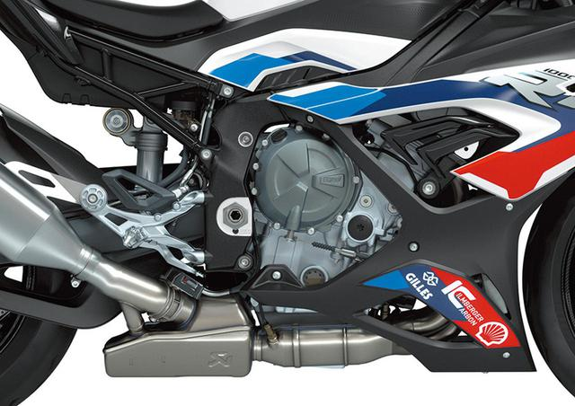 画像: 燃焼室形状変更など大改良を受けたシリンダーヘッドから、各部パーツの0.1g単位での軽量化まで、妥協を廃したスペシャルなエンジン。