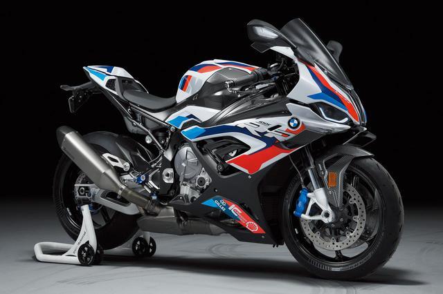 画像: BMW M 1000 RR 総排気量:999cc エンジン形式:水冷4ストDOHC4バルブ並列4気筒 参考予定価格:500万円※Mコンペティションパッケージ 発売予想時期:2021年初夏